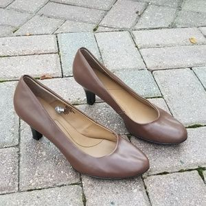 💕Brown Patent Leather Heels
